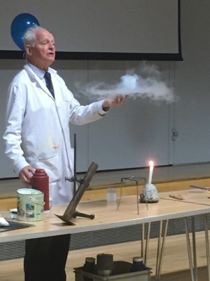 Haverstock school camden london dr szydlo performs his famous chemistry show for year 9 students 31 oct 2019